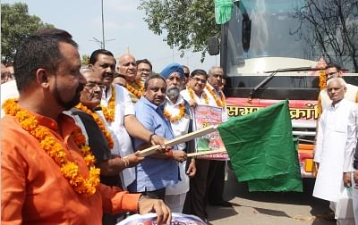 New Delhi: Confederation Of All India Traders (CAIT) Secretary General Praveen Khandelwal flags off