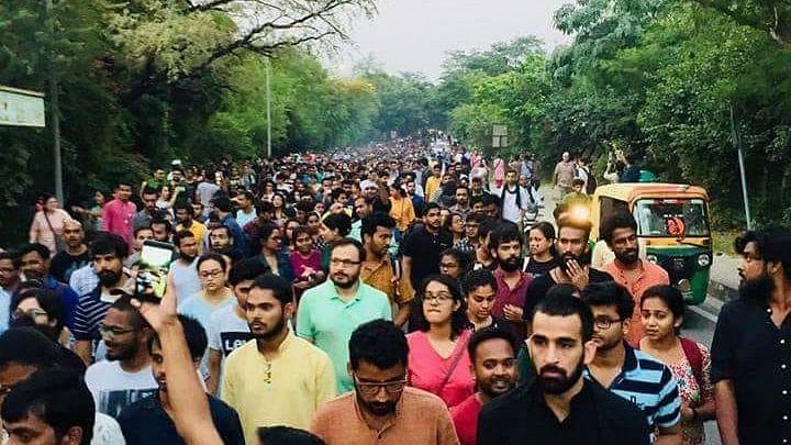 Post JNUSU Polls, Drama Grips  JNU as ABVP & Left Allege Violence