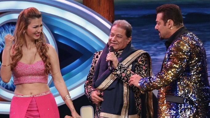 Jasleen Matharu, Anup Jalota and Salman Khan in <i>Bigg Boss 12</i>.