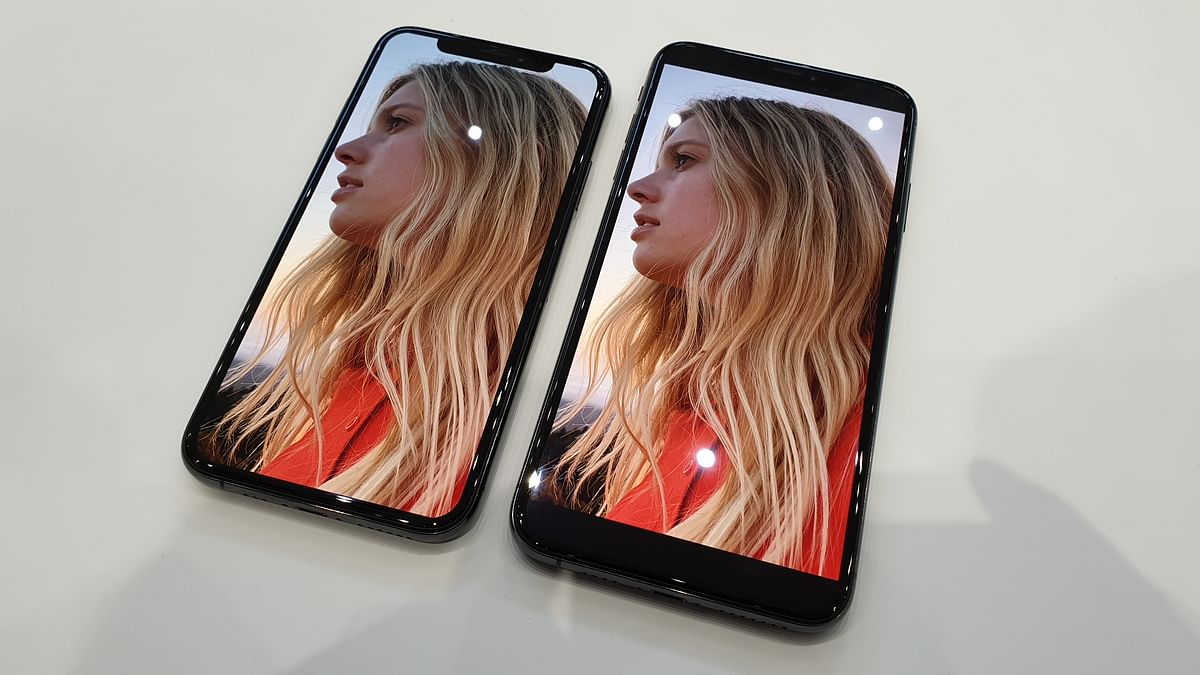 The iPhone XS series gets OLED screen with Super Retina resolution.