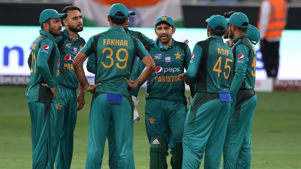 Twitter Reacts As Pakistan Meekly Surrenders To India in Asia Cup