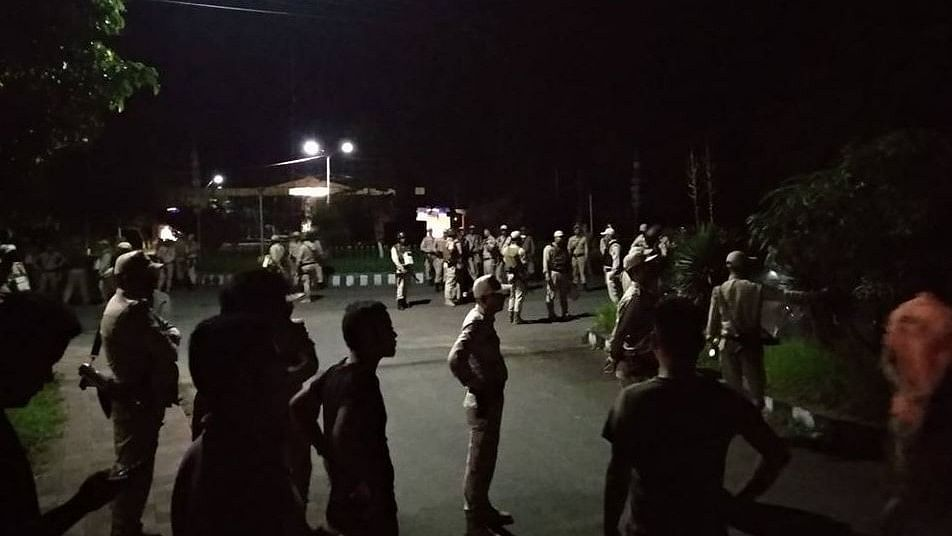 A team of police officers raided the Manipur University hostel and the residential quarters at around 1 am and took students and teachers into custody.