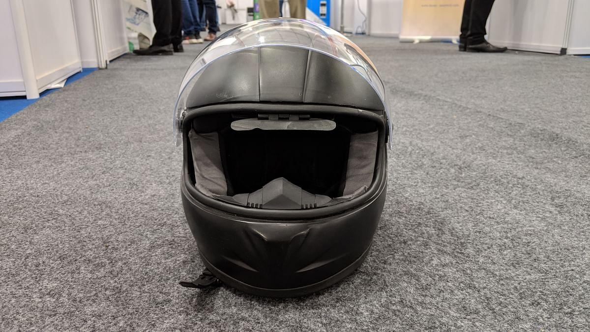 Looks like a regular helmet only.