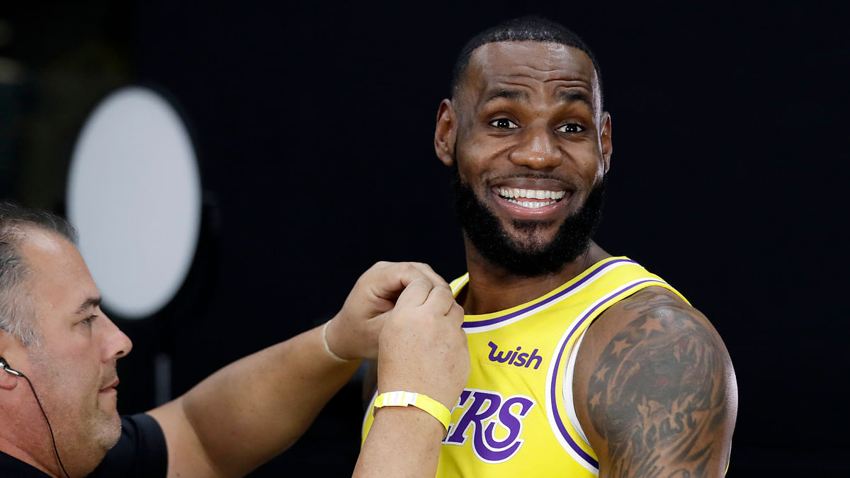 NBA: LeBron James Returns for LA Lakers Against Clippers