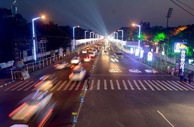 Kolkata: Special light installations made at Red Road ahead of the Red Road Puja carnival, in Kolkata on Oct 22, 2018. (Photo: Kuntal Chakrabarty/IANS)