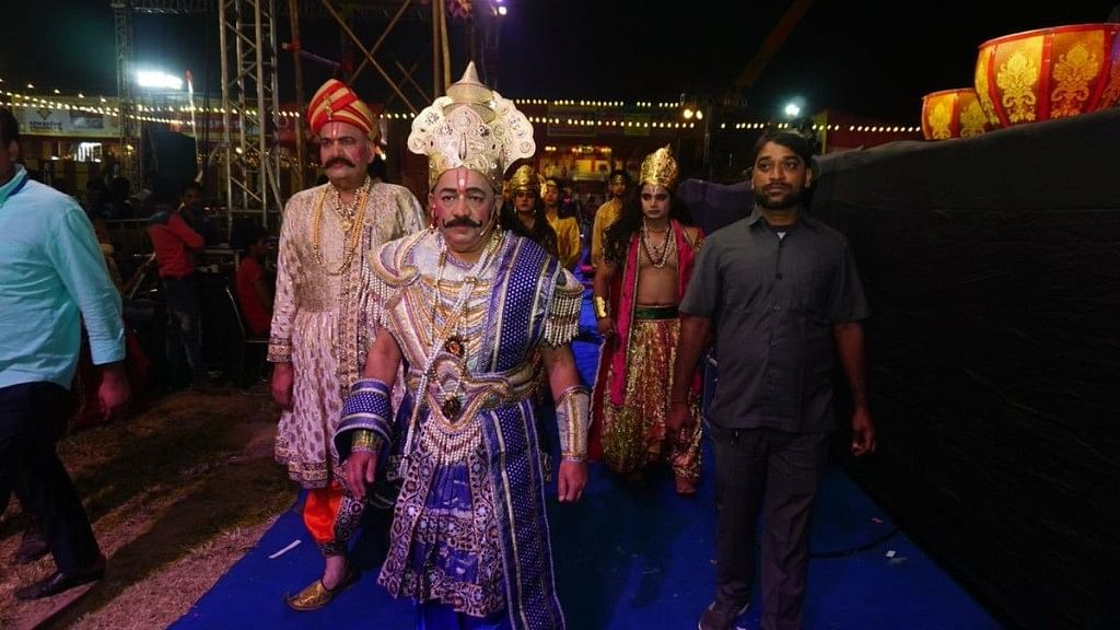 Union Minister Harsh Vardhan Dons 'Janak' Avatar in Ramleela