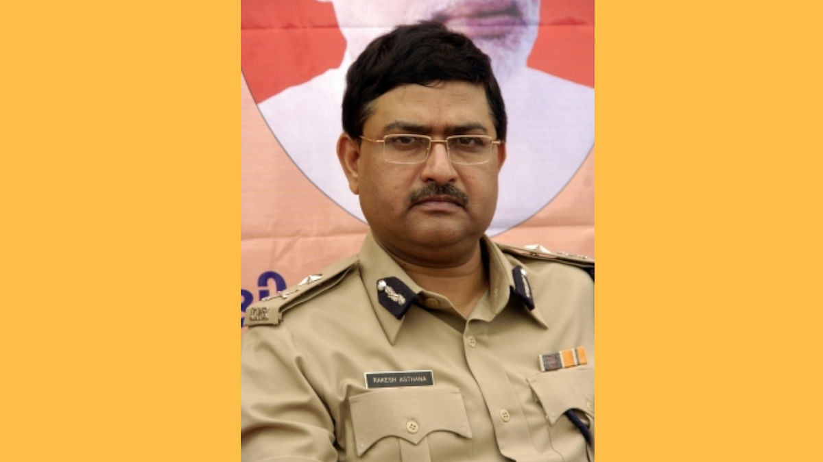 CBI Books Special Director Rakesh Asthana for Accepting Bribes