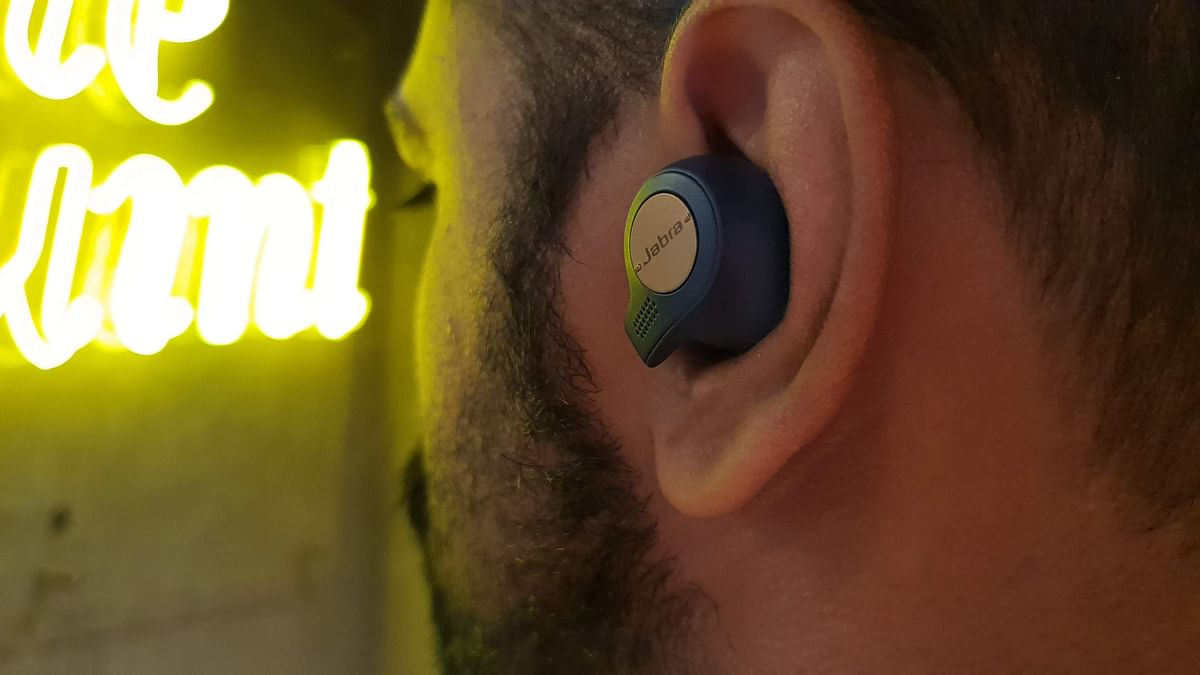 Picture of wireless earbuds for representation.