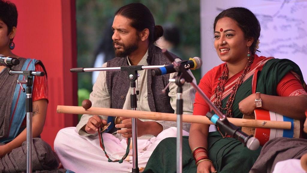 Shilpa Mudbi (right)