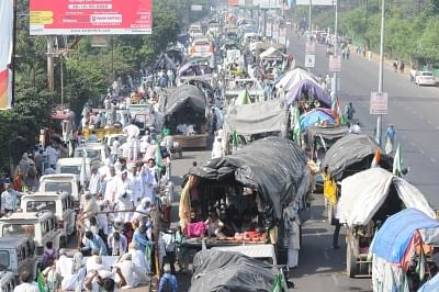 New Delhi: The farmers who were marching to Delhi from Haridwar under the banner of Kisan Kranti Yatra demanding complete loan waiver and reduction in electricity tariff among other, but were stopped by police at the border near Ghaziabad, on Oct 2, 2018. (Photo: IANS)