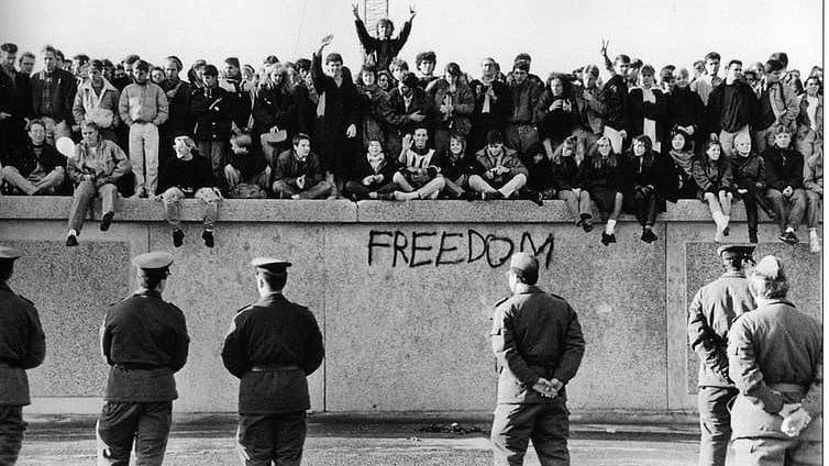 World Politics Explainer: The Fall of the Berlin Wall