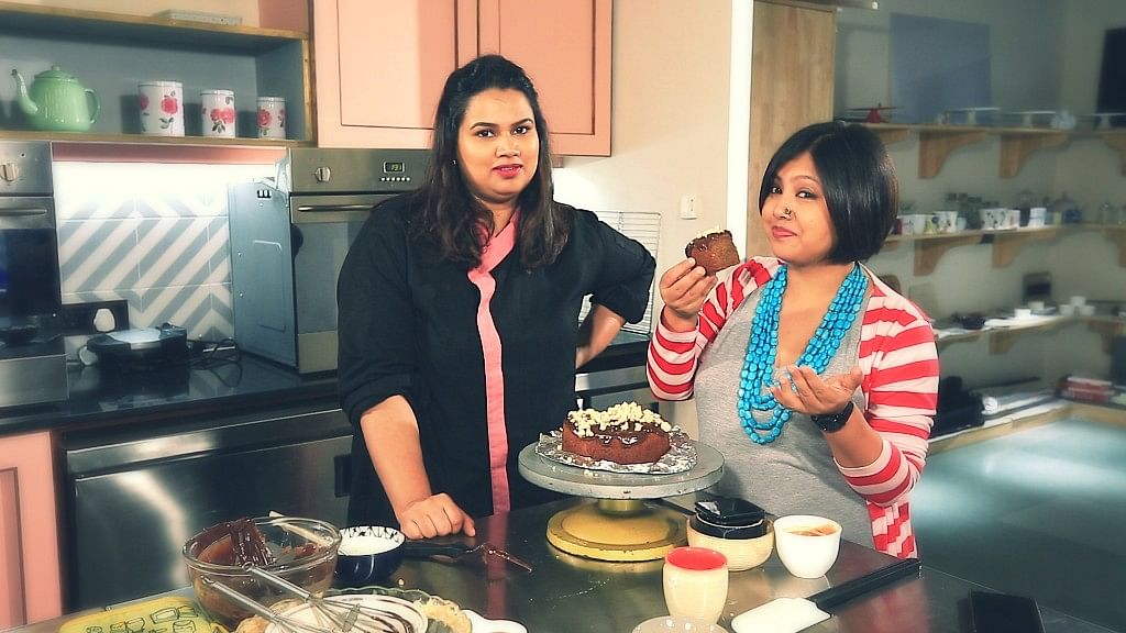 Pooja Dhingra treats <b>The Quint </b>with her new experimental cake, the chai cake.&nbsp;