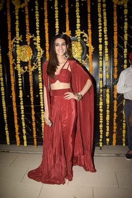 Mumbai: Actress Kriti Sanon during a Diwali party hosted by Ekta Kapoor at her residence in Juhu, Mumbai on Nov 6, 2018. (Photo: IANS)