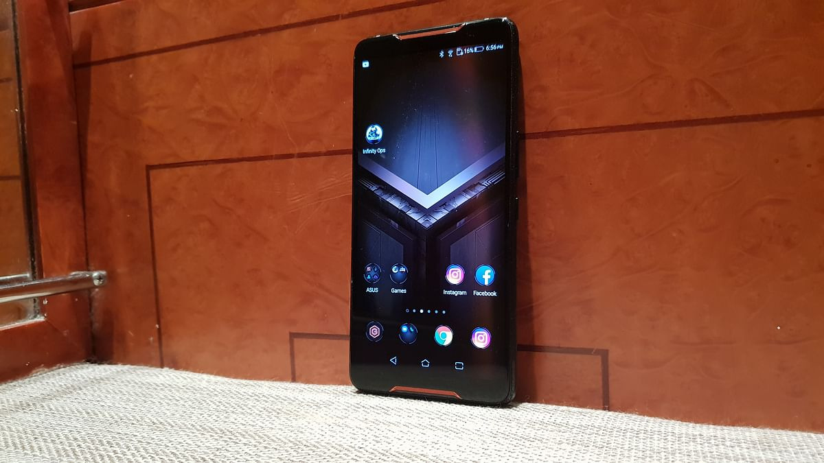ASUS ROG Phone First Look: Meant for the Serious Gamer