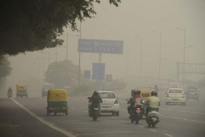 Misty morning in Delhi, air quality
