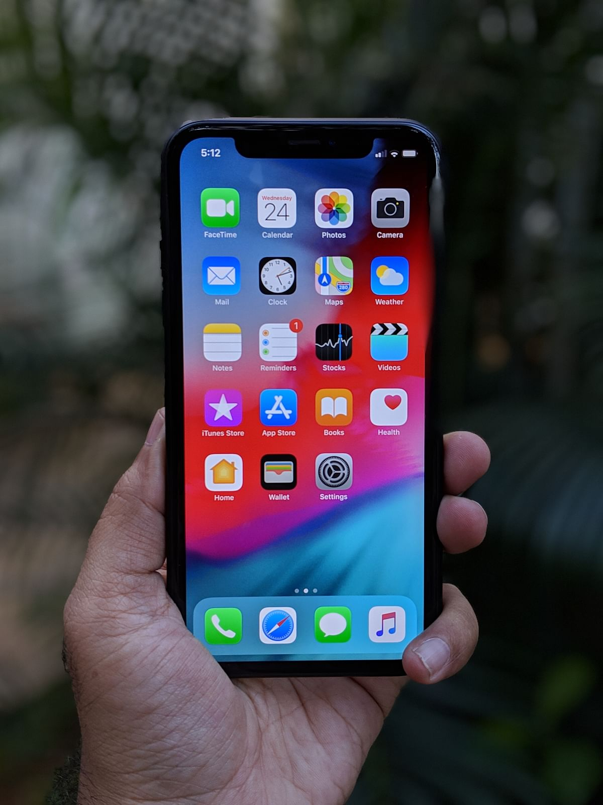 iPhone XR gets a 6.1-inch screen.