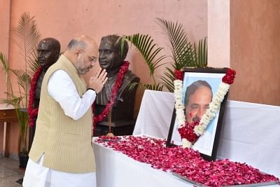New Delhi: BJP President Amit Shah pays tributes to Late Union Minister Ananth Kumar who passed away at a private hospital in Bengaluru due to multiple organ failure; in New Delhi on Nov 12, 2018. (Photo: IANS)