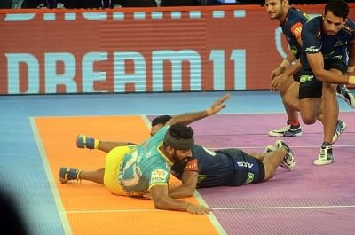 Mumbai: Players in action during a Pro Kabaddi League 2018 match between Tamil Thalaivas and Haryana Steelers at NSCI in Mumbai on Nov 14, 2018. (Photo: IANS)