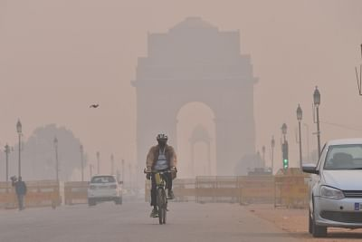 """The air quality of Delhi and regions around it remained toxic between """"severe"""" and """"very-poor"""" levels even five days after Diwali, with weather conditions expected to be unfavourable till at least November 15. (Photo: IANS)"""