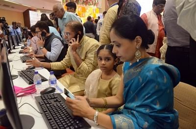 Mumbai: Traders during the one-hour long Muhurat trading on Diwali at BSE in Mumbai on Nov 7, 2018. (Photo: IANS)