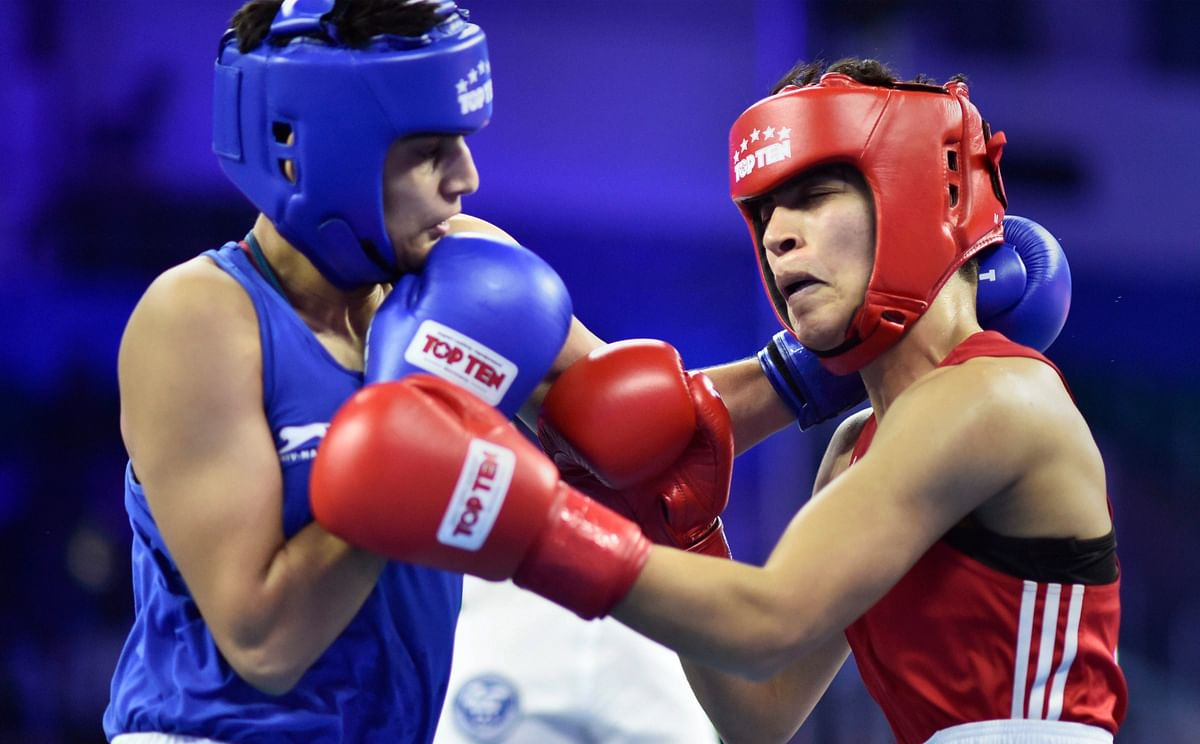 Sonia fights against Doaa Toujani at the World Boxing Championship.
