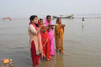 Patna: Women perform rituals at Ganga river during