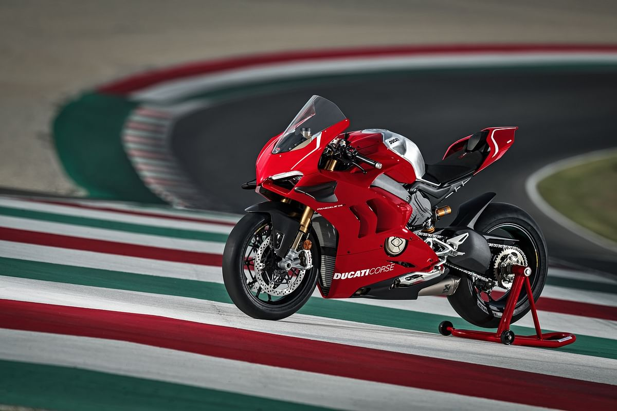 The updated Panigale comes with a Testastretta DVT 1262 engine.
