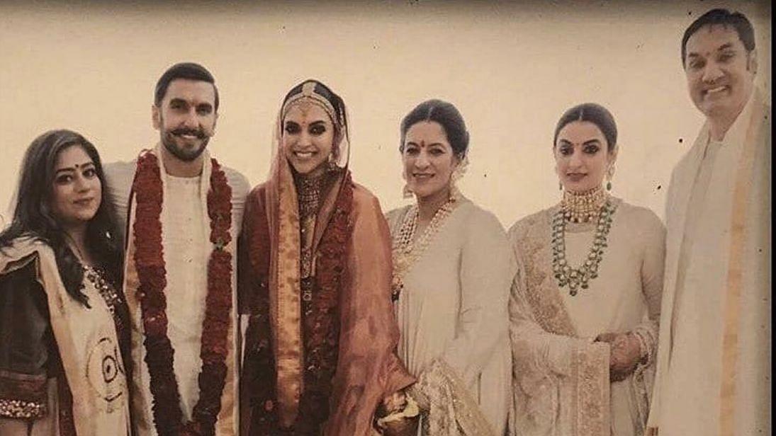 Ranveer Singh's Mom Holds Deepika's Hand in Wedding Group Pic