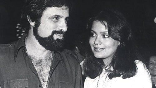 Zeenat Aman Birthday: How Sanjay Khan Went Blank on the Assault on Zeenat  Aman