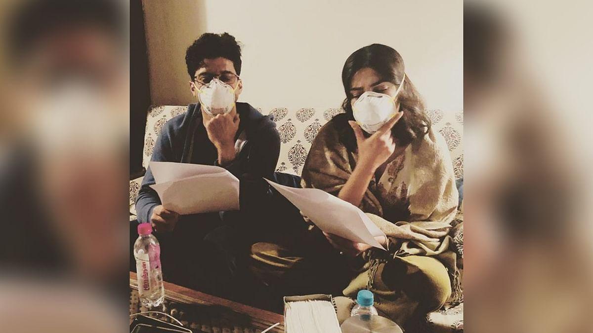 Farhan Akhtar and Priyanka Chopra practising lines for <i>The Sky is Pink</i>.