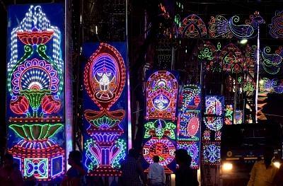 Kolkata: A view of LED light installations at a Kolkata street on the occasion of Kali Puja, on Nov 6, 2018. (Photo: Kuntal Chakrabarty/IANS)