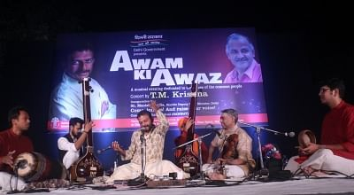 "New Delhi: Carnatic singer TM Krishna performs during a concert ""Awam Ki Awaz"" hosted by the Delhi Government at the Garden of Five Senses in New Delhi on Nov 17, 2018. (Photo: IANS)"
