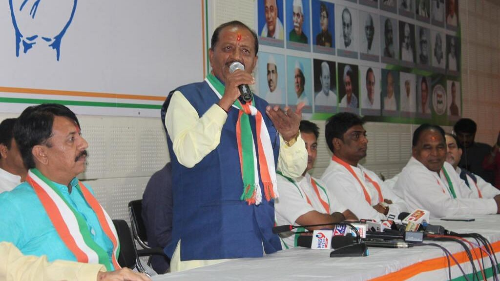 In Two Days Two Former BJP MLAs Join Gujarat Congress