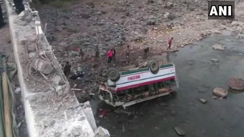 9 Dead, 25 Injured as Bus Falls Into Gorge in Himachal Pradesh