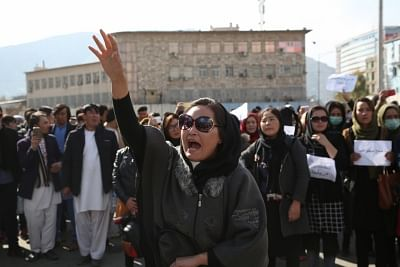 Kabul, Nov. 12, 2018 (Xinhua) -- People attend a rally in Afghan capital Kabul on Nov. 12, 2018. Hundreds of protestors staged a peaceful rally in Kabul and gathered in front of Presidential Palace on Monday calling upon the president to take immediate action against attacking militants in Jaghori and Malestan districts of the eastern Ghazni province. (Xinhua/Rahmat Alizadah/IANS)