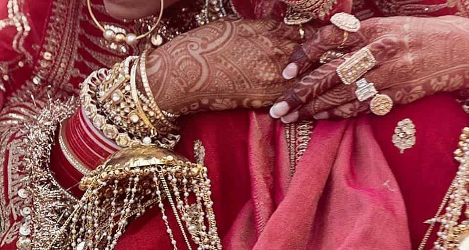 A glimpse of Deepika Padukone's engagement ring.