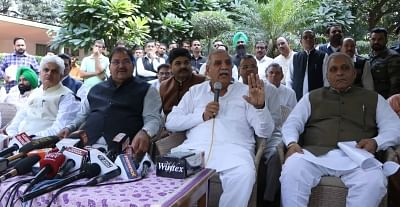 """Chandigarh: Haryana Indian National Lok Dal (INLD) chief Ashok Arora addresses a press conference in Chandigarh on Nov 14, 2018. Taking a strong stance on the growing family feud within the INLD, party supremo Om Prakash Chautala expelled his elder son Ajay Singh Chautala from the primary membership of the party for """"anti-party activities"""". The expulsion decision was announced by Ashok Arora at the press conference. (Photo: IANS)"""