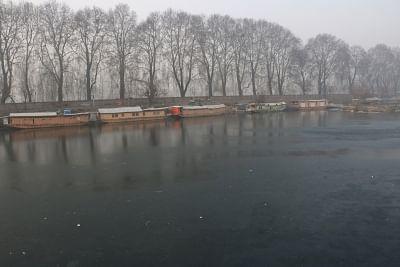 Cold wave returns to Kashmir Valley, Ladakh. (Photo: IANS)