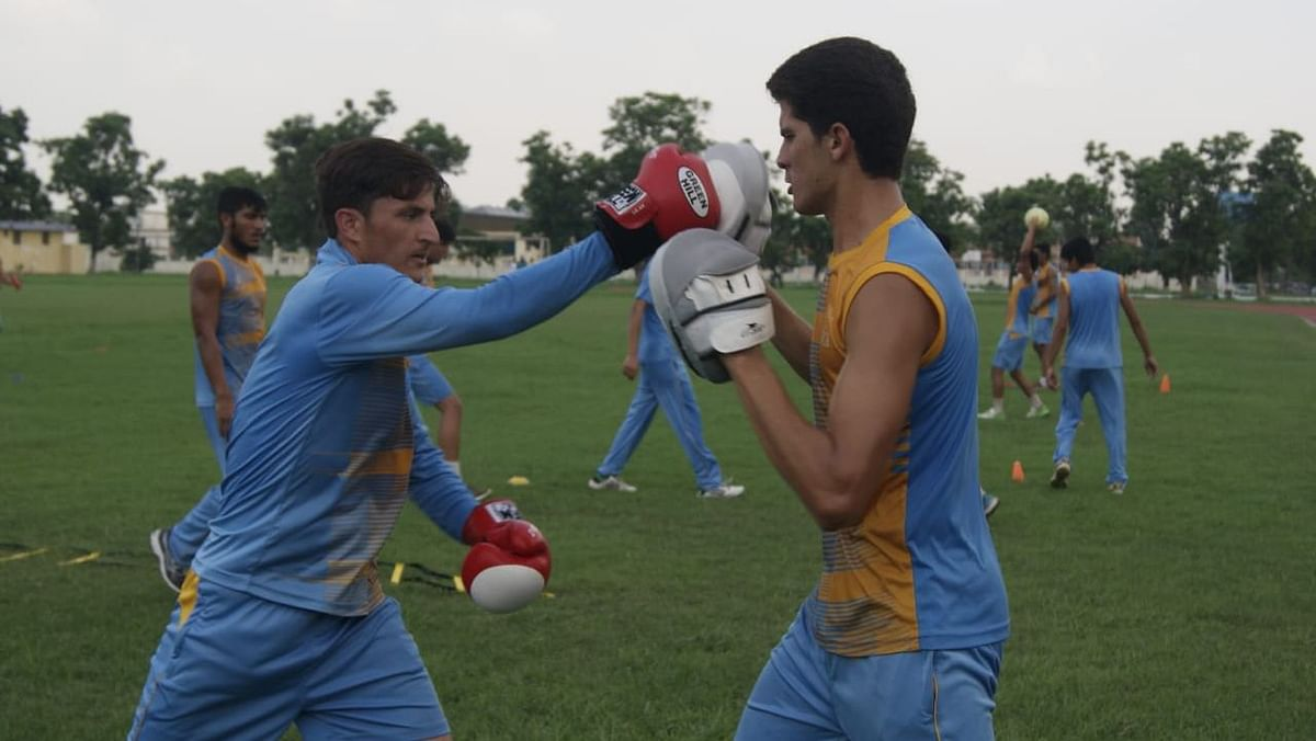 Shaheen Afridi (right) at one of the junior camps in Pakistan.