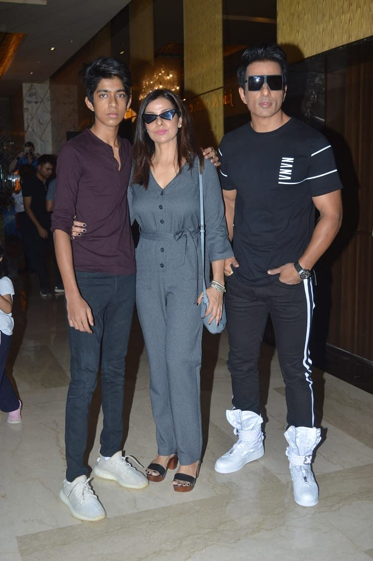 Sonu Sood with his family at the&nbsp;<i>Simmba</i> trailer launch.