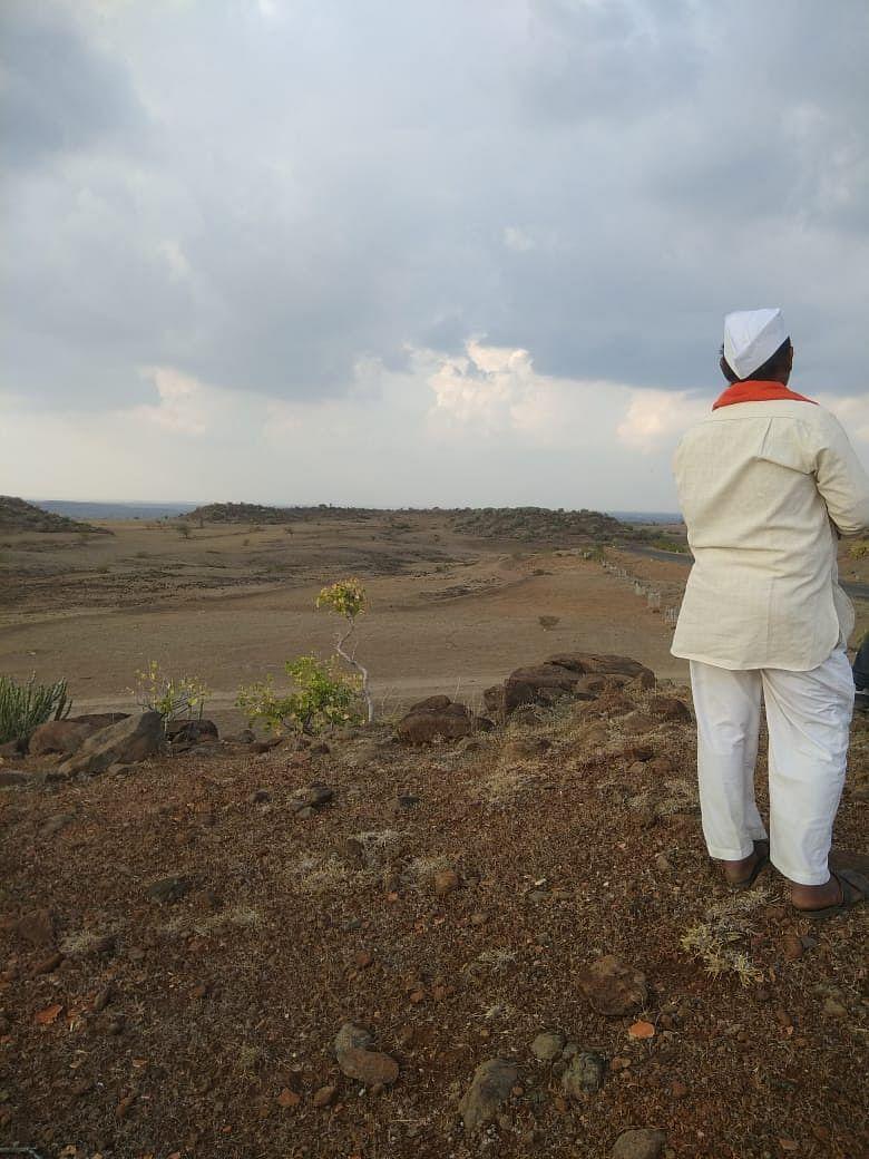 Semi-arid regions on the way to Bhokardara (Parner Block).