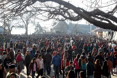 Shimla: Tourists throng The Ridge. (Photo: IANS)