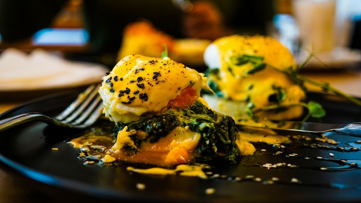 Try poached egg over spinach, made in olive oil.