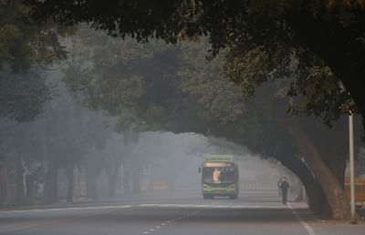 Cold Monday morning in Delhi; air quality drops to