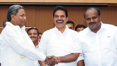 Bengaluru: Karnataka Chief Minister and JD(S) leader HD Kumaraswamy with Congress leader and Co-ordination Committee Chairman Siddaramaiah during a joint press conference in Bengaluru on 1 June  2018.