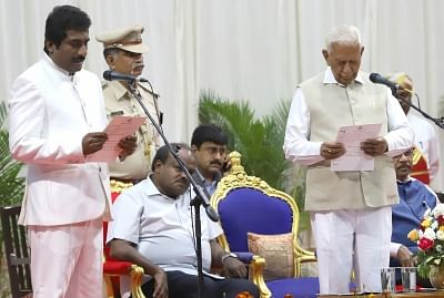 Karnataka cabinet expanded with 8 Congress ministers