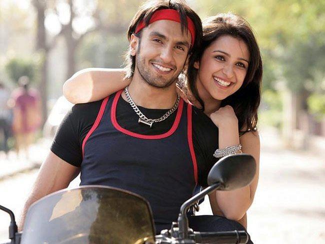 Parineeti Chopra with Ranveer Singh in a still from <i>Ladies vs Ricky Bahl</i>.