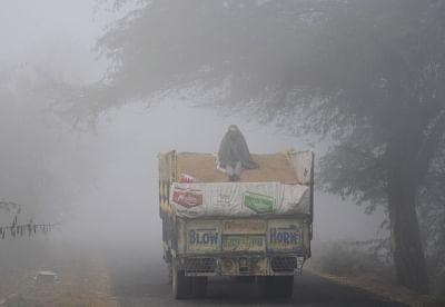 Amritsar: Dense fog grips Amritsar. (Photo: IANS)