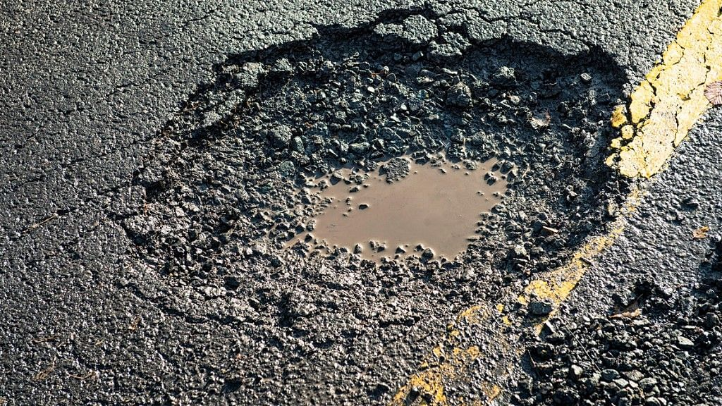 14,926 Deaths in Road Accidents Due to Potholes Unacceptable: SC