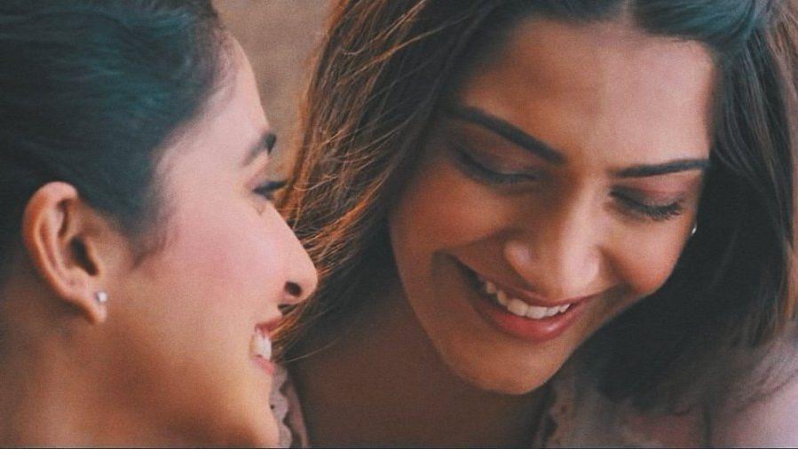 Sonam Kapoor and Regina Cassandra in a still from <i>Ek Ladki Ko Dekha Toh Aisa Laga.</i>